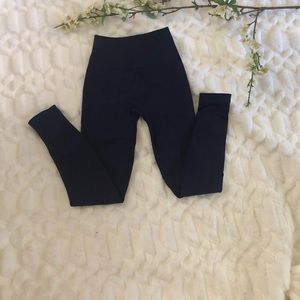 Lululemon Navy leggings seamless sz 2